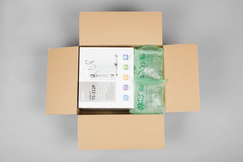 紙箱使用opus氣墊圖例2--商品盒較小,使用長寬較大的氣墊填充