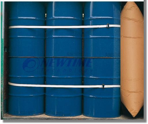 兩條移動式貨櫃網搭配貨櫃充氣袋使用圖示--滿櫃桶型物件