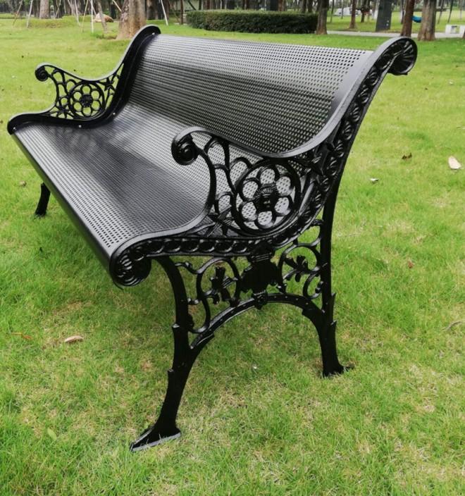 [D-015]-金屬座椅