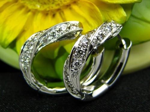 阿哥哥螺旋鑽石耳環