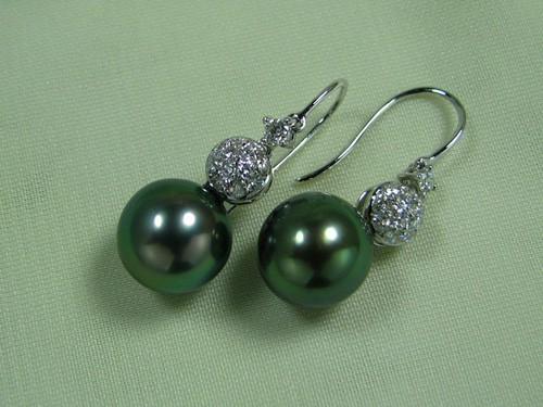 10.2mm孔雀綠黑南洋珠鑽石耳環