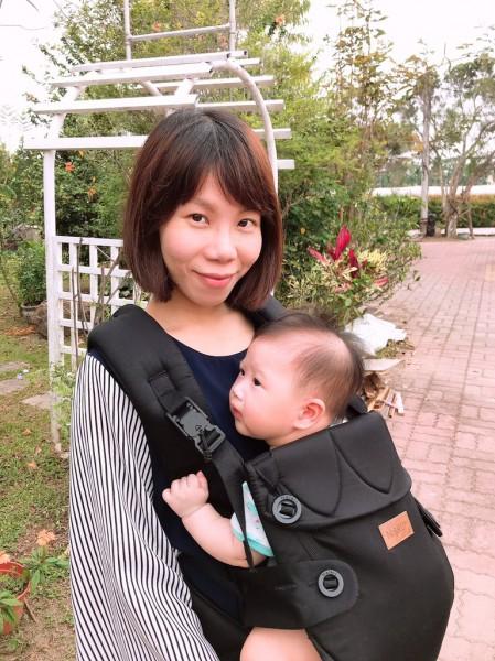 【媽咪開箱】瑞典納捷兒Najell寶寶背巾 媽咪輕鬆、寶寶舒適
