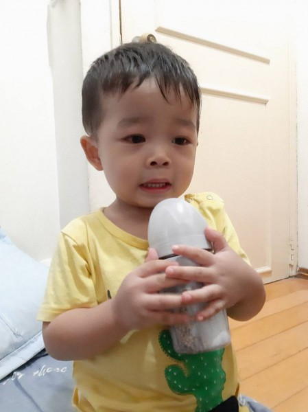 【媽咪開箱】貼心好看又好用的炫客不銹鋼奶瓶